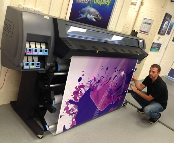 New Latex Machine Is The Business For Wallpaper Printing